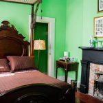 La Pelican Bedroom Red Sheets